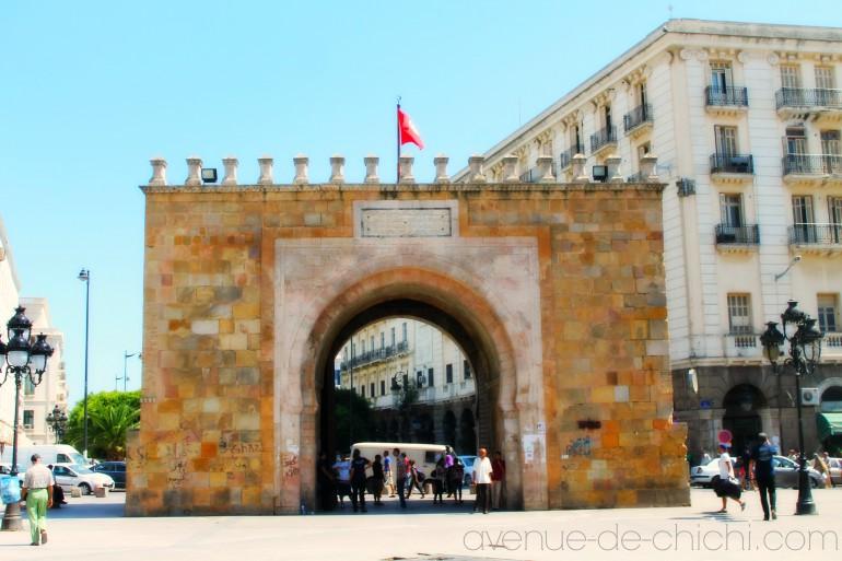 Tunis mit fahne